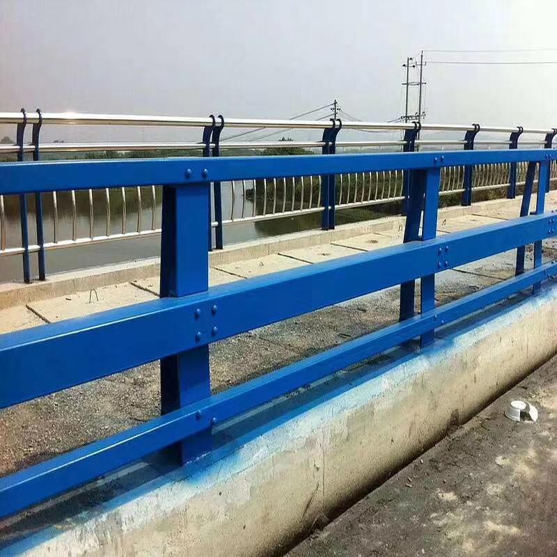 桥梁防撞栏杆厂家:不锈钢桥梁护栏的设计